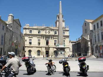 Arles - Hotel de Ville in the background
