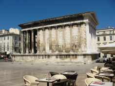 Nimes - Roman temple side view