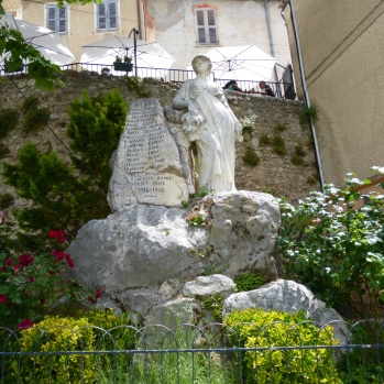 Nearly every little French village we have been in has a memorial to their war dead - cery mivung - this in Moustiers-Ste-Marie