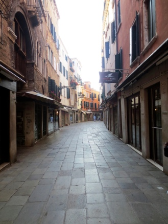 Empty calle on the way the Piazza San Marco