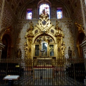 One of the glorious side chapels