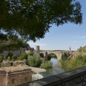 Puente de Alcántara spans the Tagus river