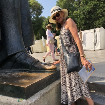 Rubbing the toe of the statue is said to bring good luck